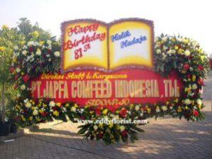 Papan Pernikahan 09